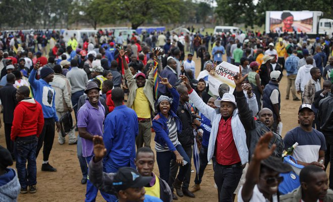 Zimbabweans march in Harare to demand Mugabe departure