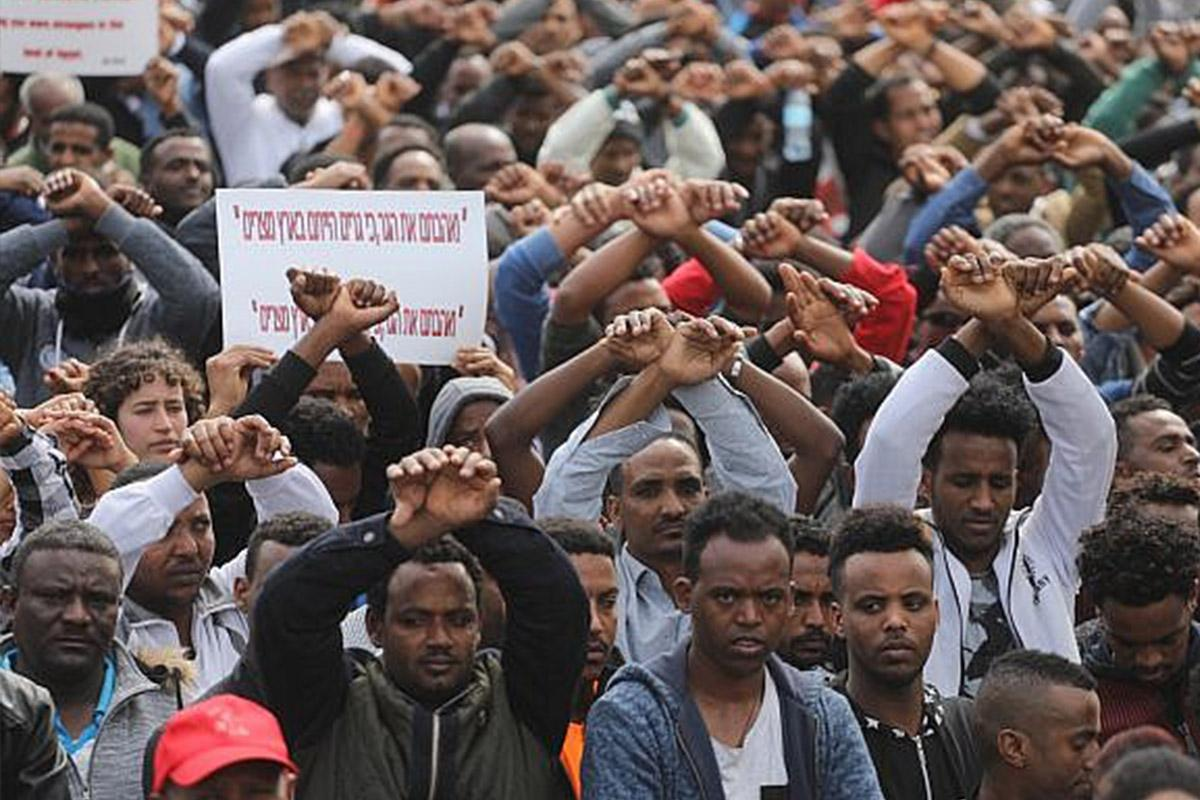 In first, Israel jails Eritrean asylum seekers for refusing deportation