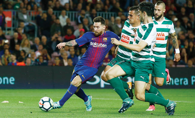 Messi hits four as Barca maintains perfect start