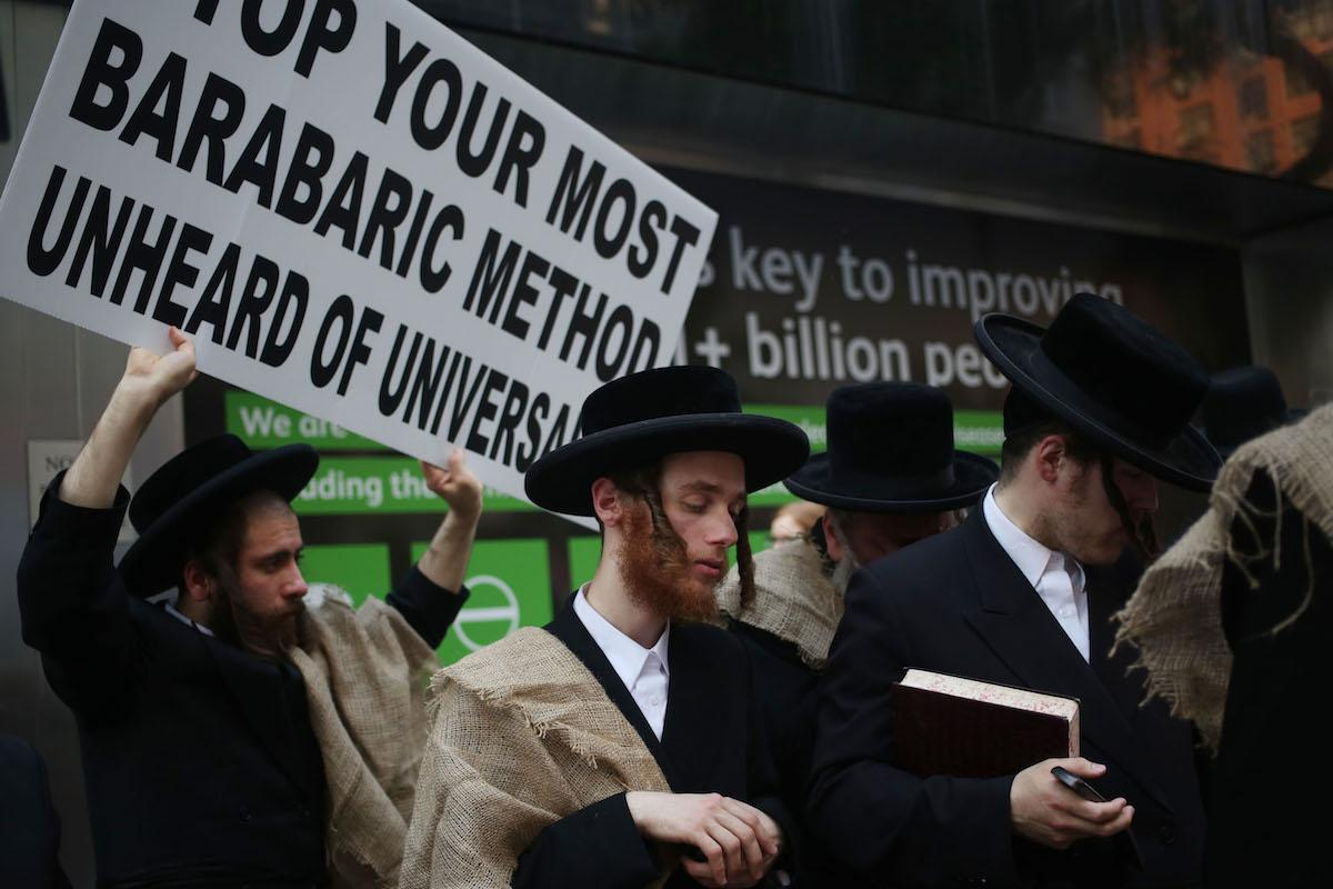 Israel police and ultra-orthodox Jews clash over conscription