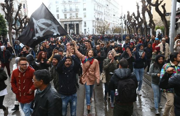 Tunisia to spend extra $70 million on poor after protests and 800 arrests