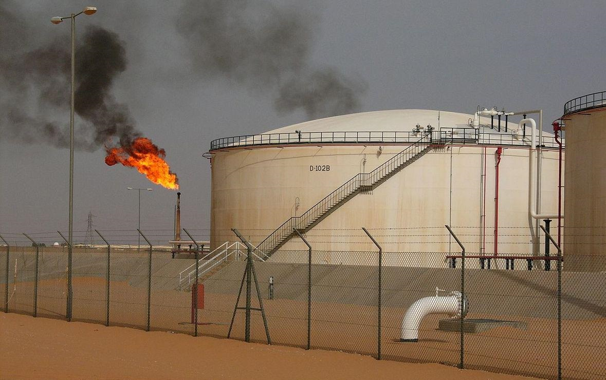 Algeria, Libya agree to jointly manage oil fields on shared border