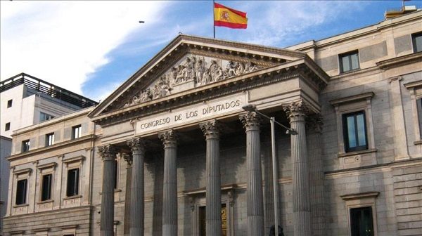 Spain's central bank predicts faster growth in 2018