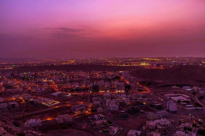Oman's expat visa ban extended on certain jobs