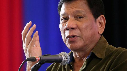 Philippines bars EU party official critical of Duterte